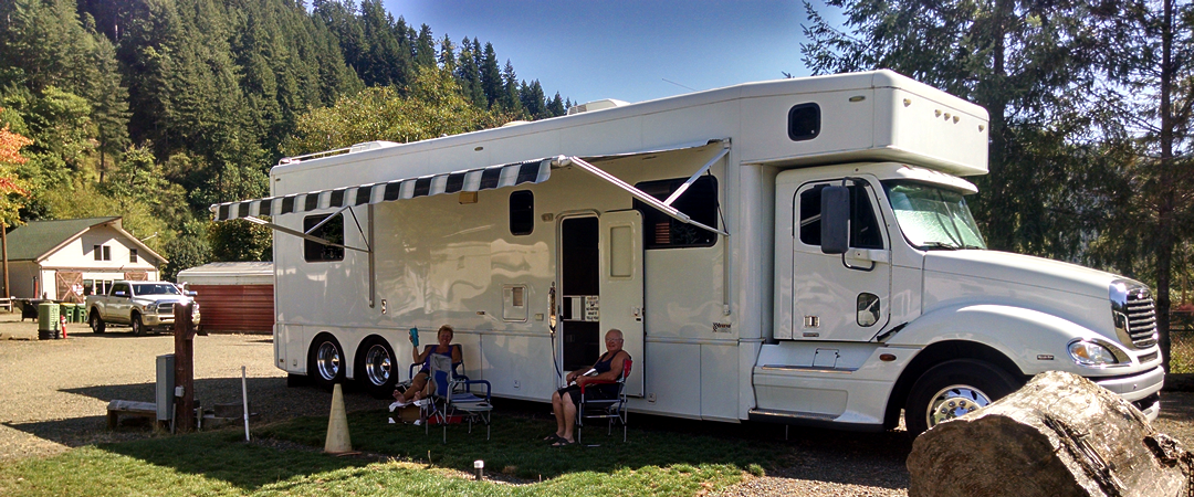 big-rig-friendly-rv-park-maple-lane-rv-park-marina-mapleton-oregon